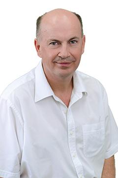 Bill Kahler is an Endodontist practicing in Brisbane, Australia.